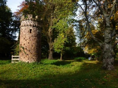 Freimaurerturm im Park