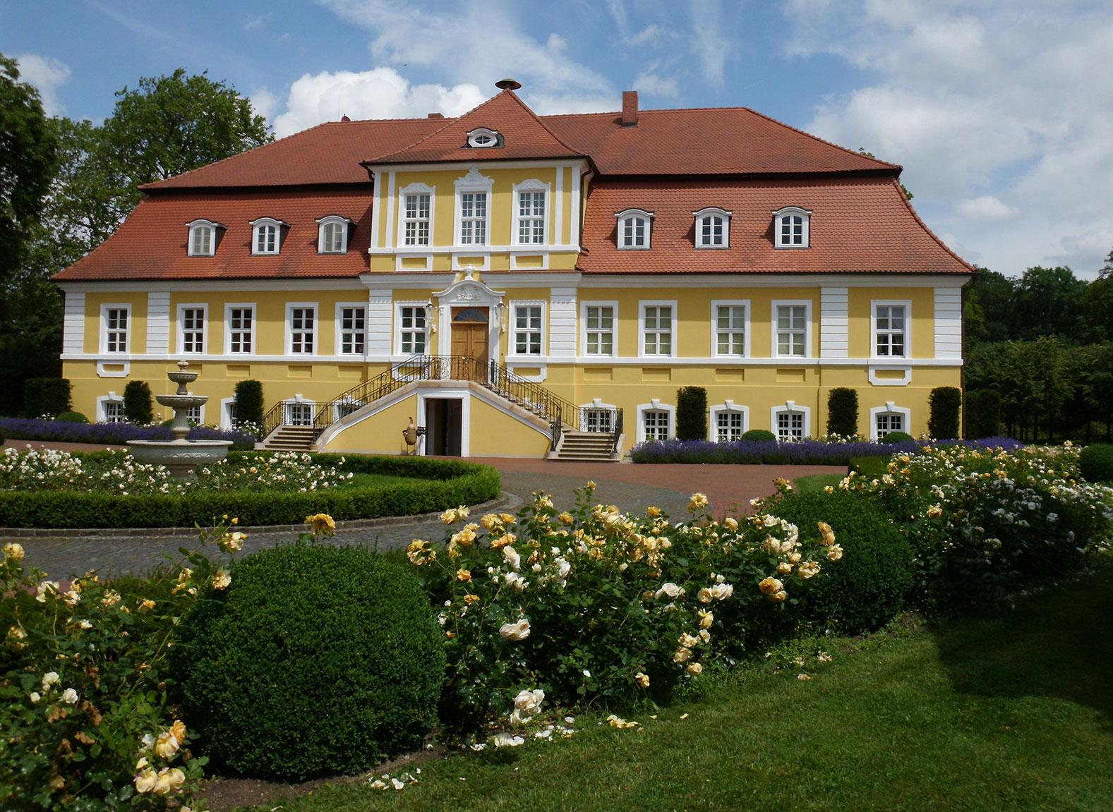 LebensArt Schloss Döbbelin